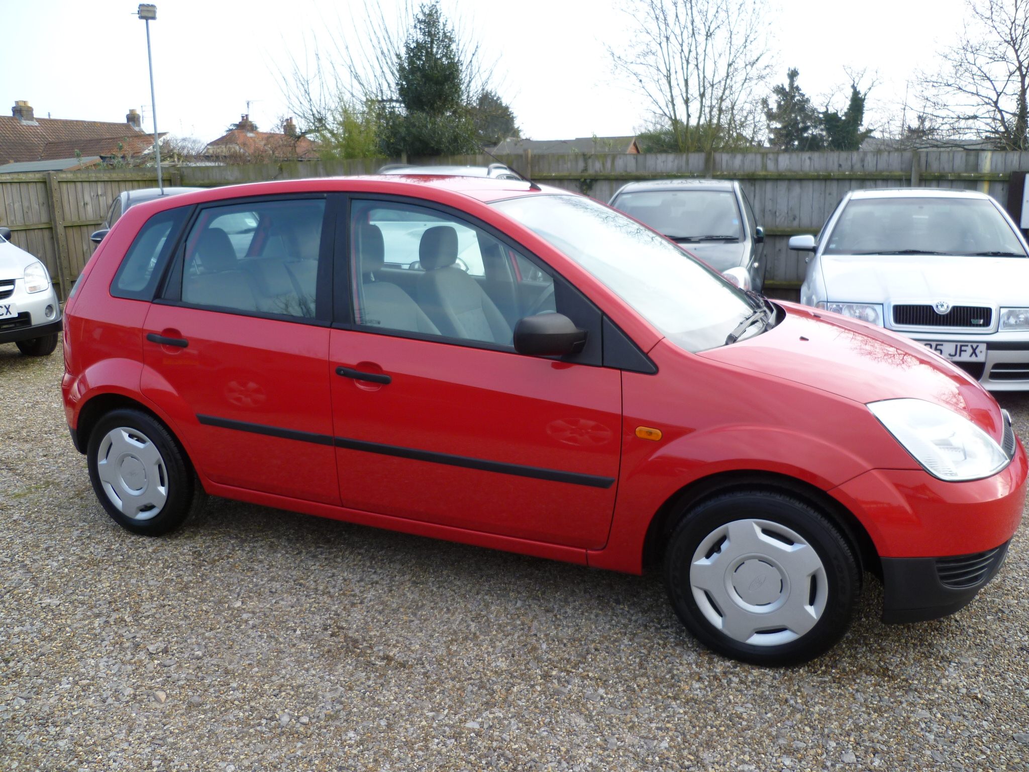 FORD FIESTA 1.3 FINESSE 5DR 003